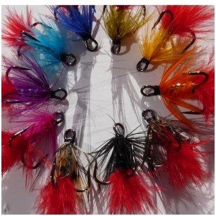 Trišakių kabliukų įvairių spalvų 10 vnt